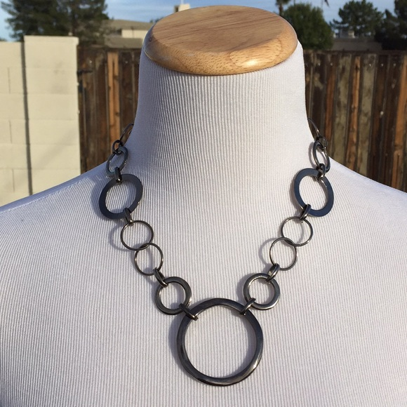 Jewelry - Metal Circle Necklace